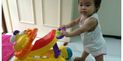 toddler walking milestone