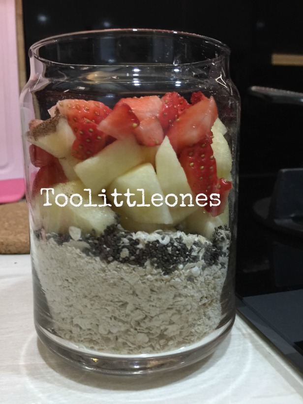 apple strawberry cinnamon overnight oats