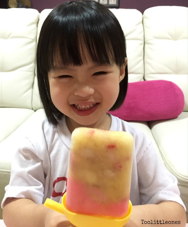 banana strawberry popsicle